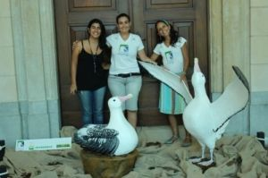 Nathalia Silvério, do  Museu Catavento, Cynthia Ranieri e Érica Stange da equipe de Educação Ambiental do Projeto Albatroz