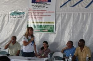 Tatiana Neves, coordenadora geral do Projeto Albatroz, ressaltando a importância da parceria com os pescadores para os mais de 20 anos de existência do projeto