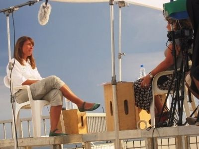 Tatiana Neves durante entrevista para o documentário.