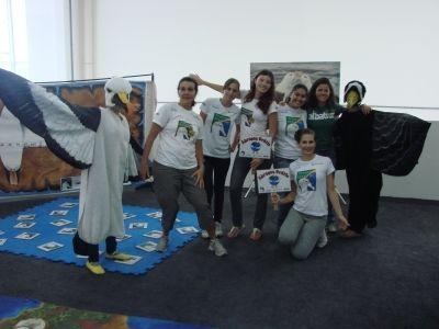 Voluntários, estudantes da UNIVALI durante evento Volvo Ocean Race