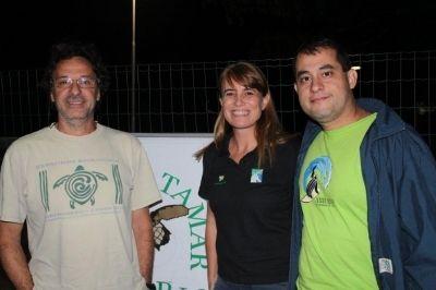 Joca Thomé, coordenador regional do Tamar no Espírito Santo; Tatiana Neves, coordenadora geral do Projeto Albatroz; Nilamon Leite, responsável pelos trabalhos realizados pelo Tamar em parceria com a frota de Itaipava