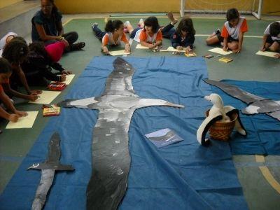 Alunos da escola Tatibitati em atividade de Educação Ambiental