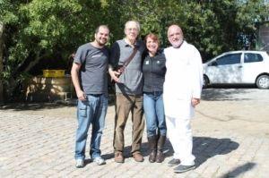 Fabiano Peppes, coordenador técnico do Projeto Albatroz; o professor Carolus Maria Vooren, da Furg; Tatiana Neves, coordenadora do Projeto Albatroz; Lauro Barcelos, diretor do Museu Oceanográfico da Furg