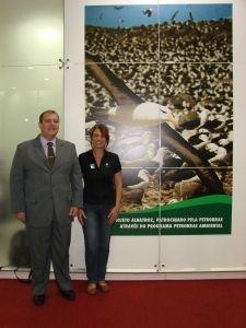 José Luiz Marcusso, Gerente Petrobras da Unidade Santos;Tatiana Neves, coordenadora Projeto Albatroz