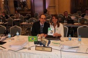 Fábio Hazin, presidente da ICCAT, e Tatiana Neves, coordenadora geral do Projeto Albatroz
