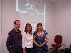 Paulo de Salles, Prof. Mestre da Unisanta; Tatiana Neves, coordenadora geral do Projeto Albatroz; Cássia de Freitas, ONG Sala Verde