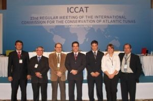 Delegação brasileira presente ao encontro; ao centro, o ministro Fábio Pitaluga, chefe da Divisão de Mar, da Antártica e do Espaço do Ministério das Relações Exteriores